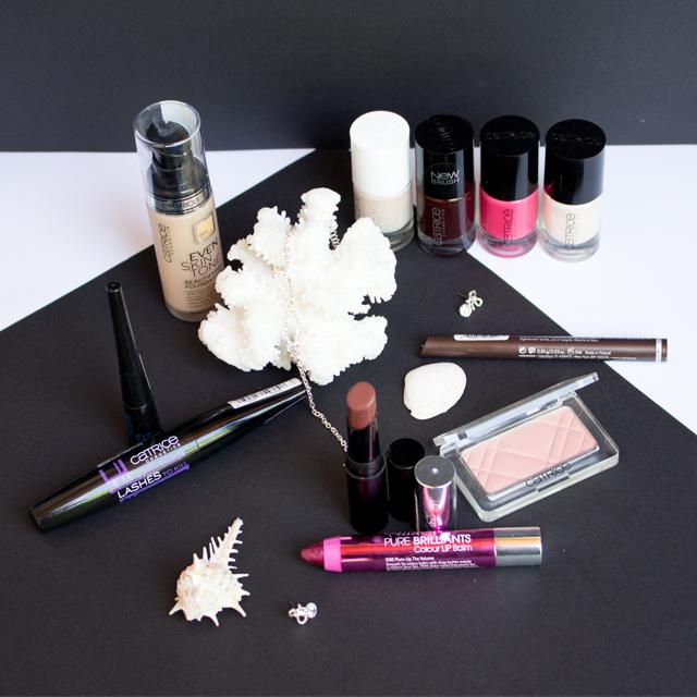 Lipsticks, Lacke und Wimperntusche