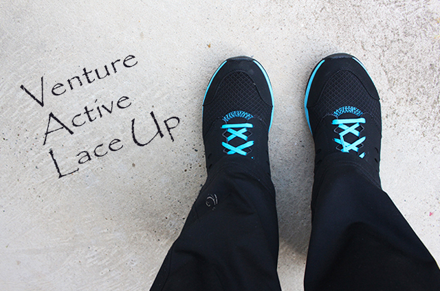 Venture Active Lace Ups und Freunde auf einem Campingtrip