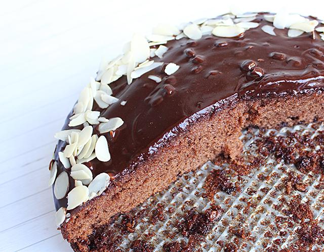 Karamelcrunchy Schoko Torte