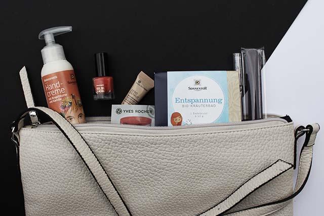 Gewinne eine Goodie Bag* – Umhängetasche, Pflegeprodukte, Kosmetik…