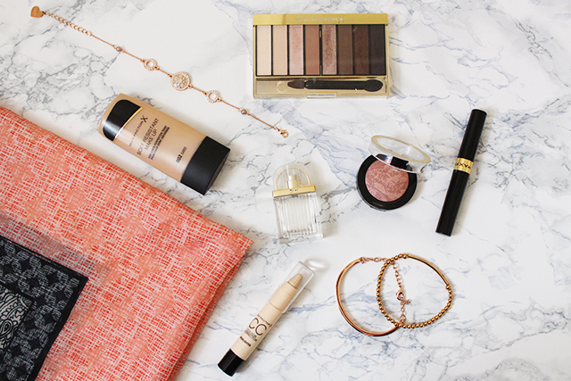 Max Factor Blush, Highlighter, Nude Palette und Foundations
