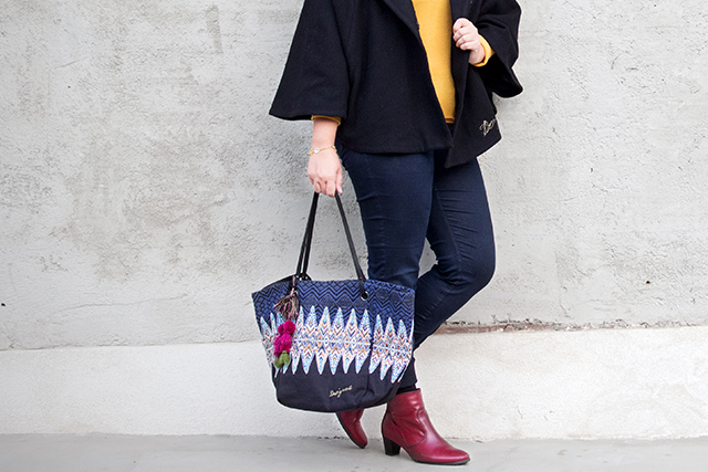 Outfit mit Cape Jacke