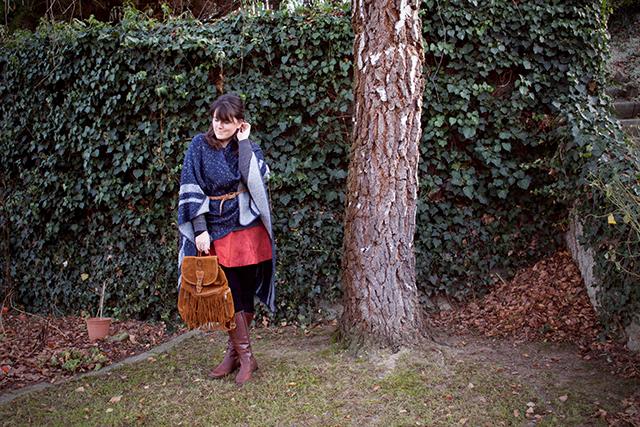 Winter Outfit - Fransen und Cape
