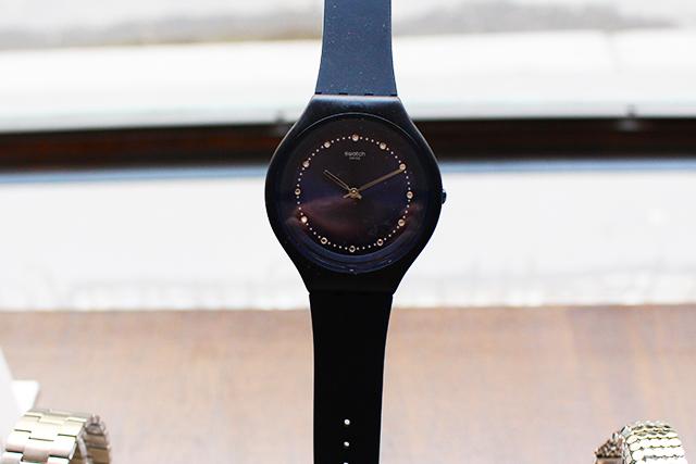 Swatch schwarz