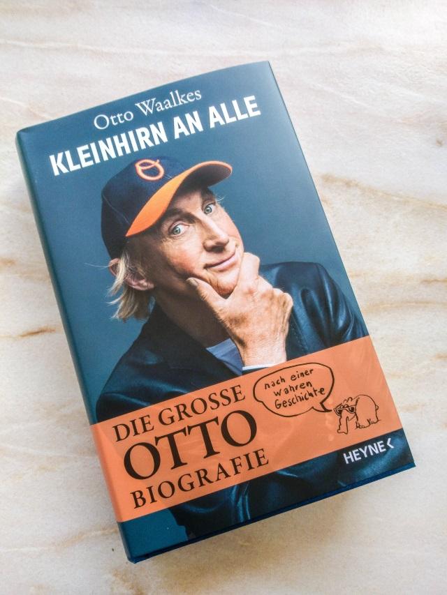 Kleinhirn An Alle Die Otto Waalkes Biografie Tina In The Middle